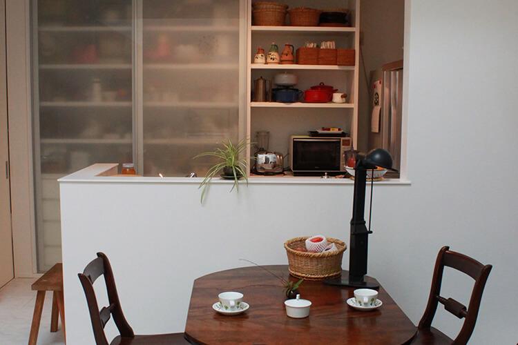 キッチンバックセットは、デザイン性と機能性を兼ね備えた大容量収納